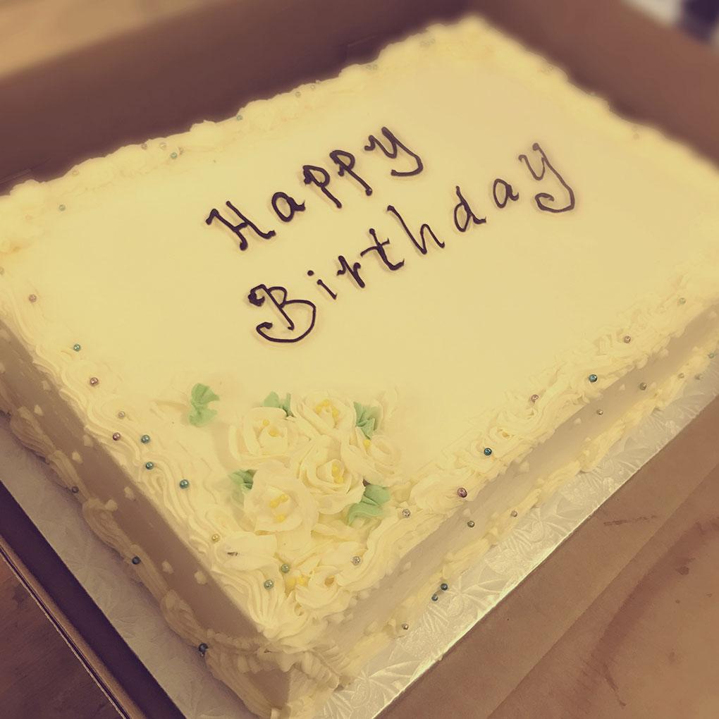 phipps-desserts-specialty-happy-birthday